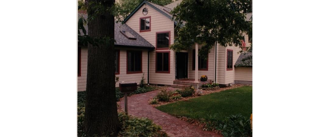new-york-architect_residential-home_Rising-Oaks-Front-Walk-1100x450.jpg
