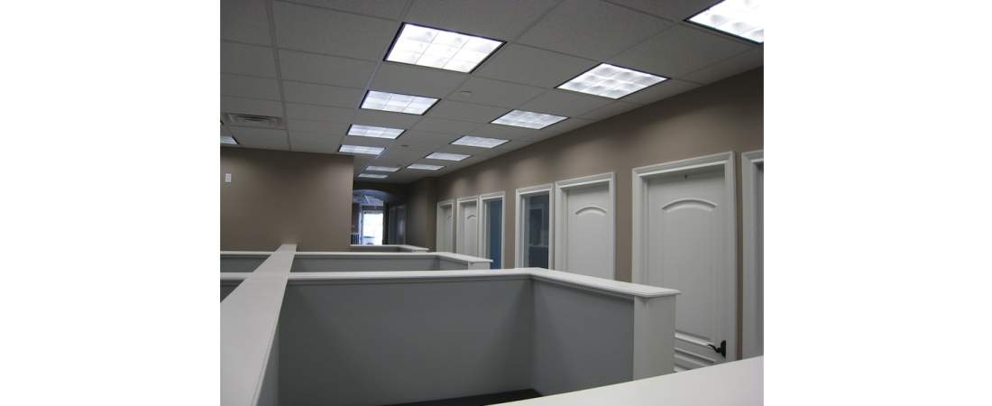 new-york-interior-designer_commercial_Built-Workstations-2-1100x450.jpg