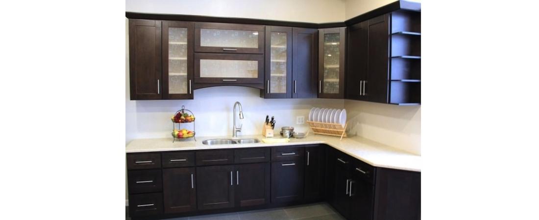 new-york-interior-designer_Contemporary-Kitchen-1100x450.jpg