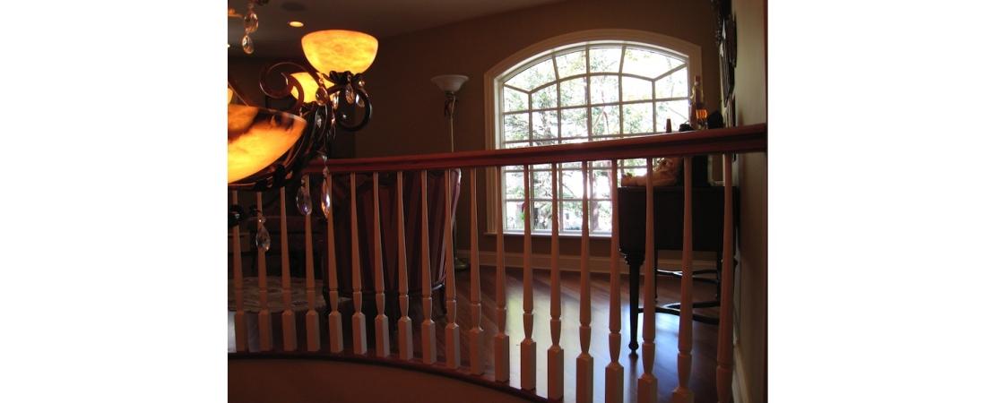 new-york-interior-designer_Traditional-2nd-floor-hall-2-1100x450.jpg