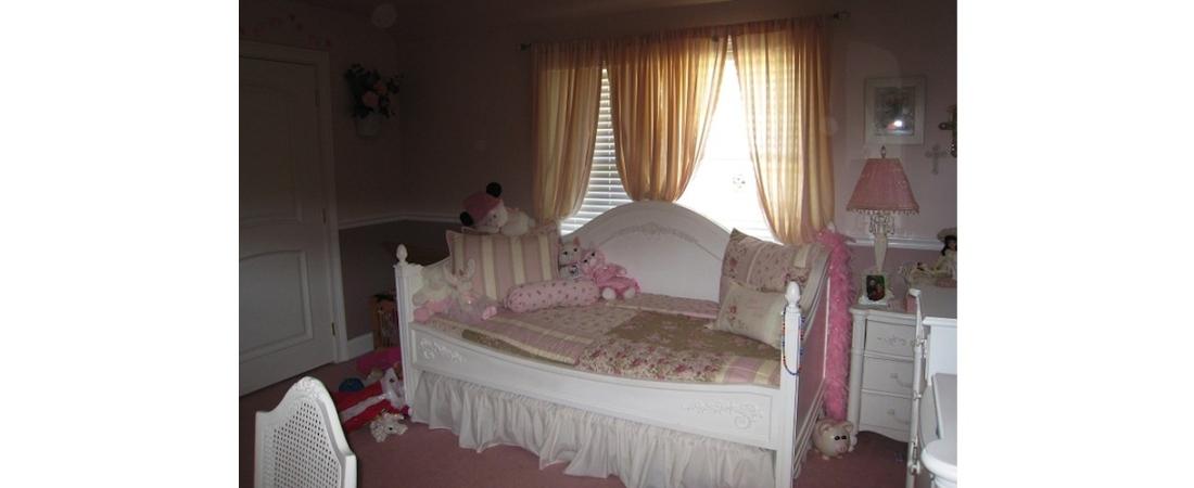 new-york-interior-designer_Traditional-Childs-Bedroom-1100x450.jpg