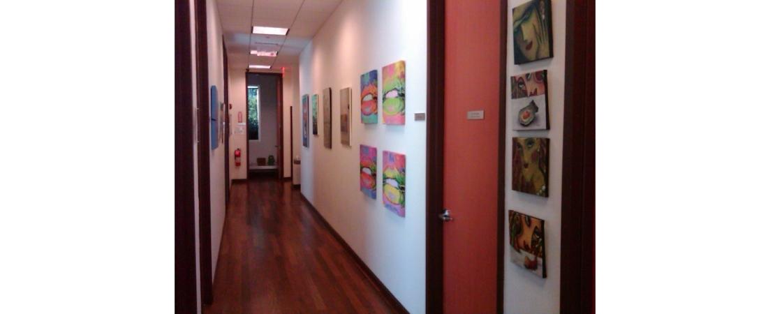 new-york-interior-designer_commercial_Medical-Center-Corridor-1100x450.jpg